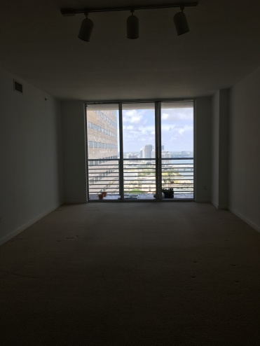 empty-apartment